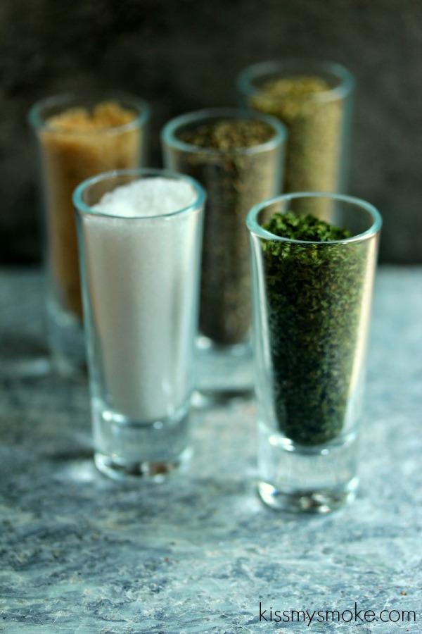 Italian Herb Rub | kissmysmoke.com | #grill #bbq #rub #herbs
