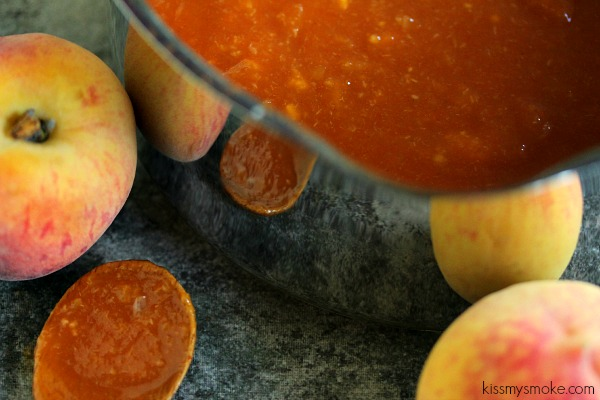 Peach Barbecue Sauce | kissmysmoke.com | #grill #bbq #barbecuesauce #peach #mop