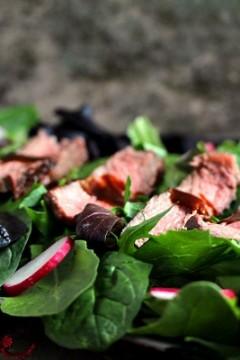 Grilled Steak Salad with Balsamic Sauce