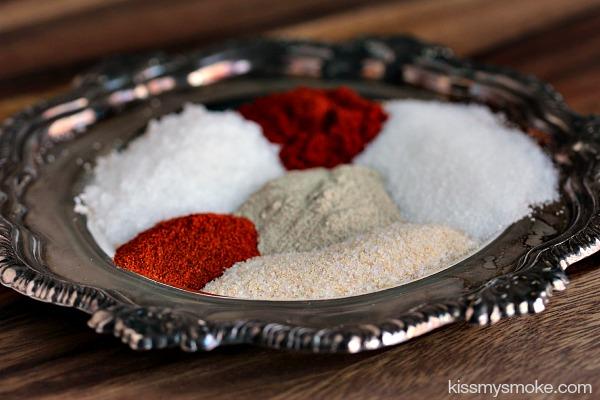 Spice Rub for Chicken | kissmysmoke.com | Amazing Spice Rub for Chicken that adds tons of flavour and makes the skin super crispy!